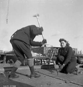 Female workers in action at the Pictou shipyard, Nova Scotia, January 1943. National Film Board of Canada. Photothèque. Library and Archives Canada
